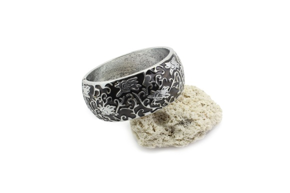 bb1000017-1-color-glazed-hinge-bracelet