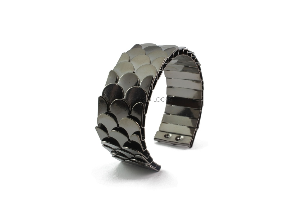 bb1000008-1-steel-fish-scales-cuff