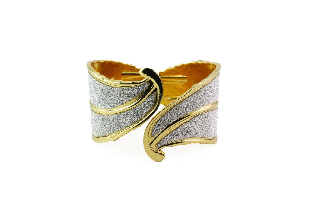 bb1000014-1-glam-leaf-hinge-bracelet