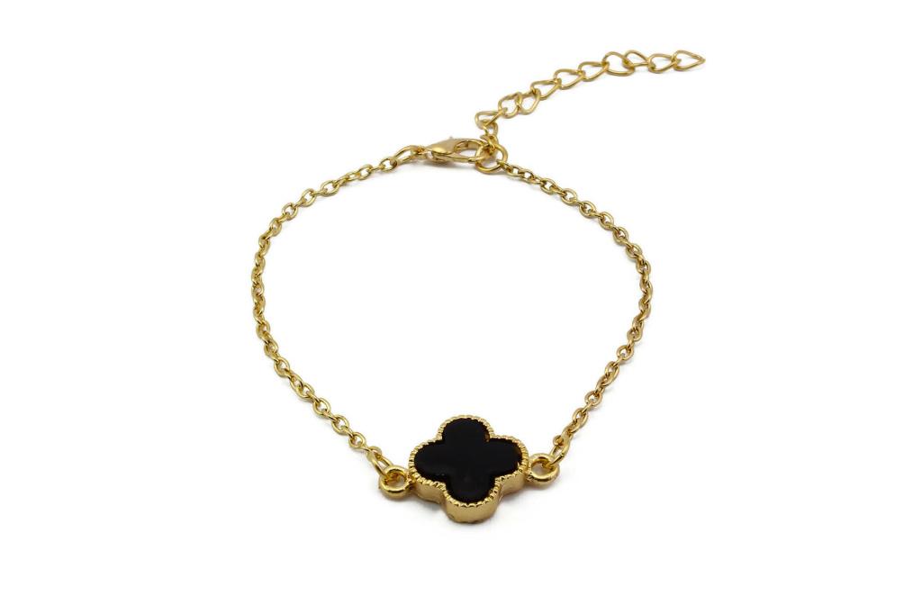 bb1000016-clover-clover-charm-bracelet