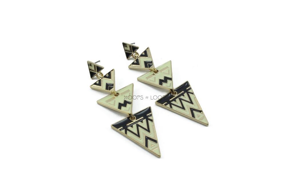 ee1000011-oh-my-pyramid-earrings