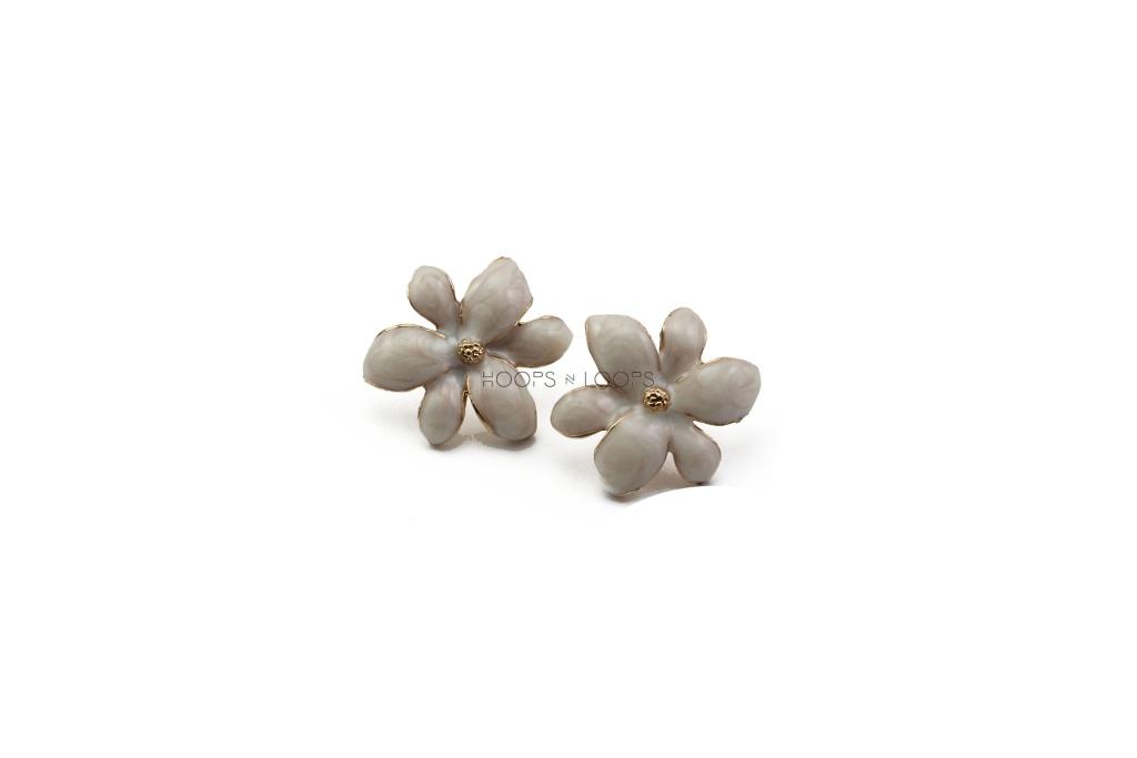 ee1000029-1-spring-flower-studs