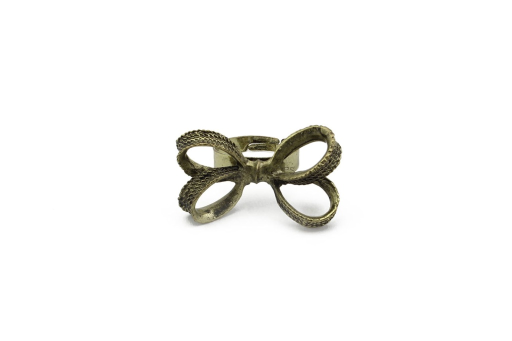 rr1000002-1-curtsy-bow-ring