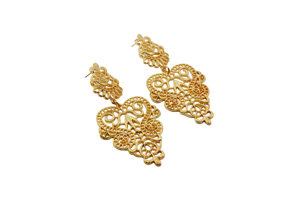 ee1000008-golden-goddess-earrings