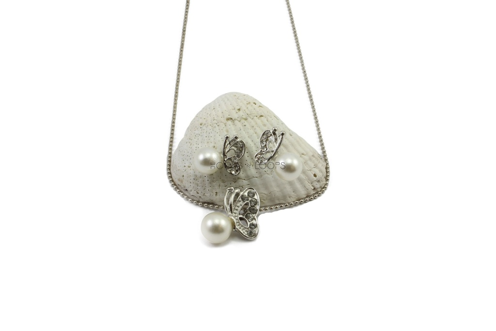 nn1000026-butterfly-on-pearl-set